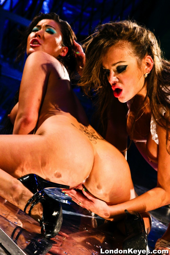 London Keys And Nikki Noir Porn